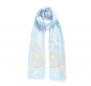 Florentine, le foulard (châle, hijab) petit brodé de fleurs, version Bleu Clair et Blanc