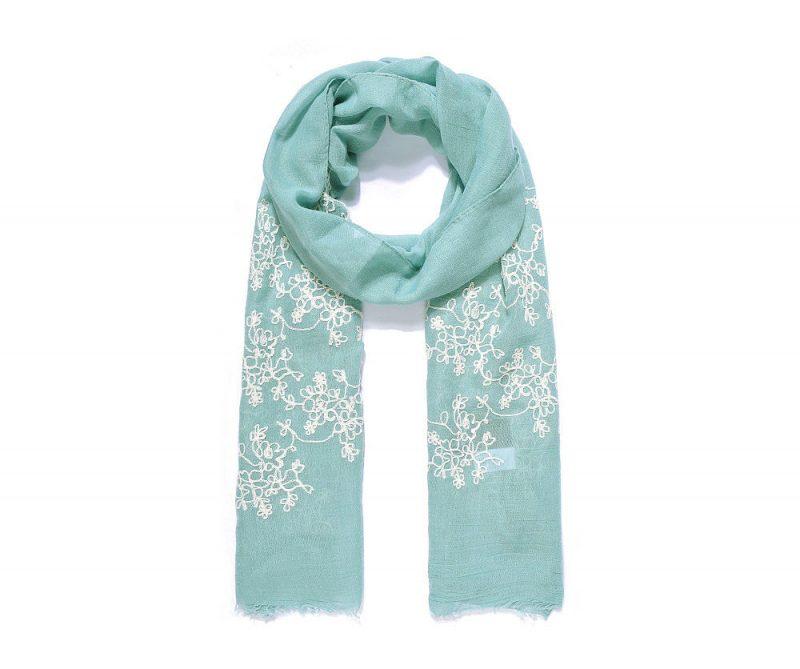 Florentine, le foulard (châle, hijab) petit brodé de fleurs, version Vert Clair et Blanc