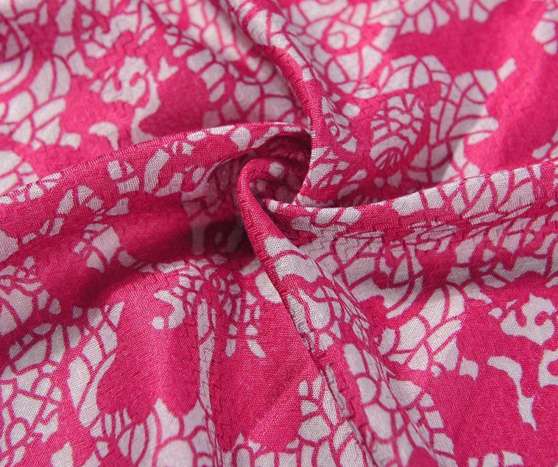 foulard magenta et gris fleurs imprime dentelle