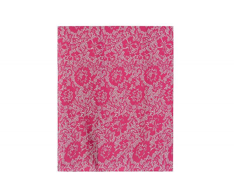 foulard magenta et gris imprime dentelle et fleurs