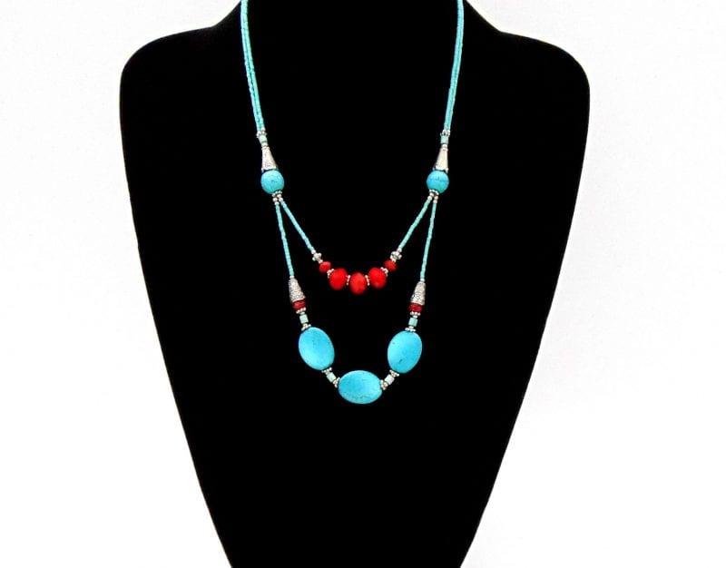 Collier ethnique pierre naturelle turquoise et cristal rouge