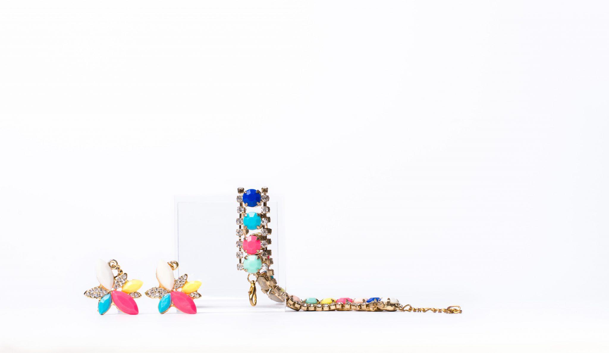 parures_bijoux_bracelet_boucles